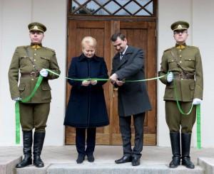 Dalia Grybauskaitė atidaro restauruotus pirmojo Lietuvos Prezidento, Nepriklausomybės Akto signataro Antano Smetonos dvaro rūmus | lrp.lt, R.Dačkaus nuotr.