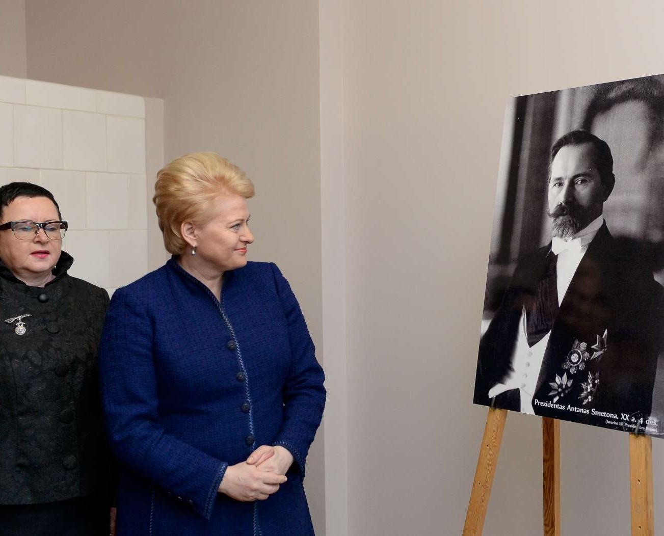 Dalia Grybauskaitė atidarė restauruotus pirmojo Lietuvos Prezidento, Nepriklausomybės Akto signataro Antano Smetonos dvaro rūmus | lrp.lt, R.Dačkaus nuotr.