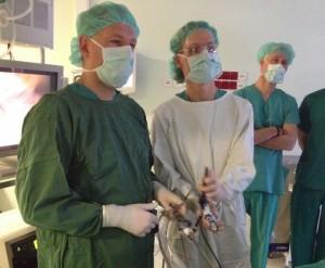 Operacijos metu. Pirmas iš dešinės dr. S.Mikalauskas ir doc. P.Žeromskas