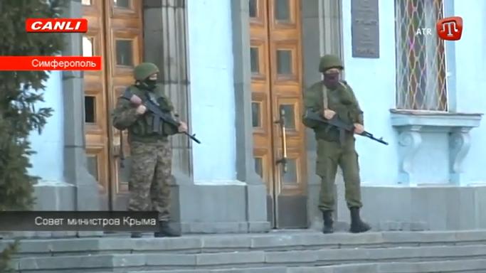 Ministrų Tarybą saugo gerai ginkluoti asmenys