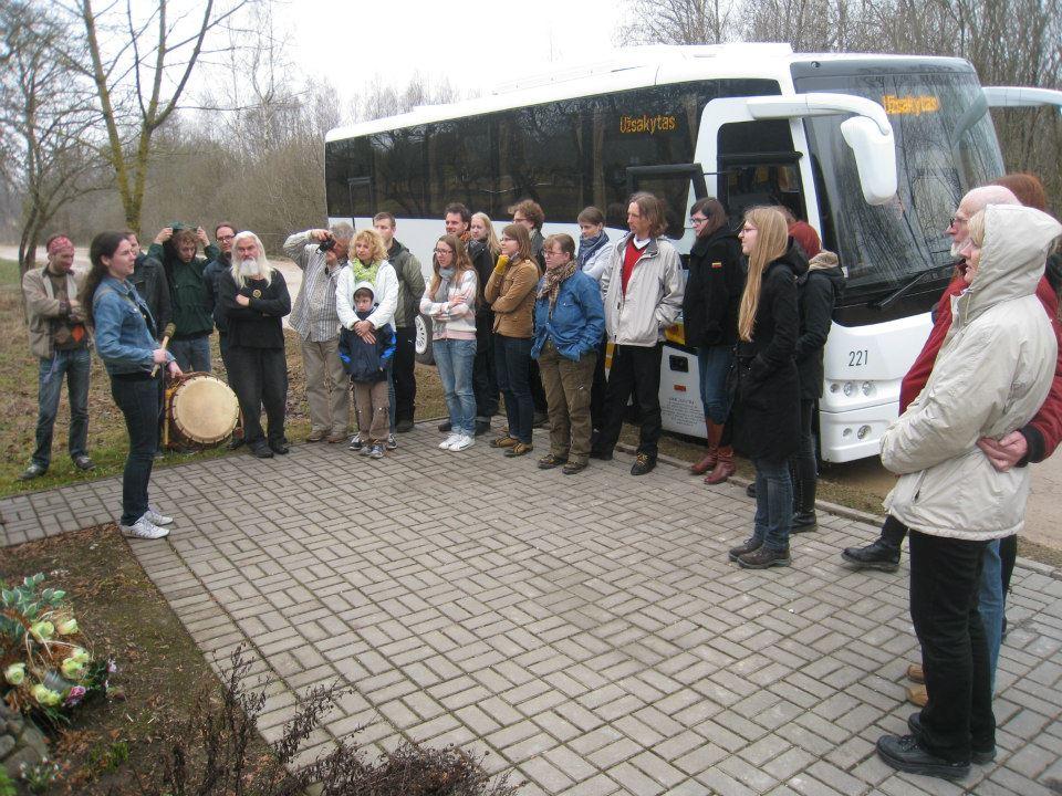 Dainos partizanams Joribuso kelionėje