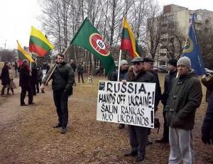 Prie Rusijos ambasados įvyko tautininkų piketas prieš Rusijos karą Ukrainoje | Alkas.lt, T.Baranausko nuotr.