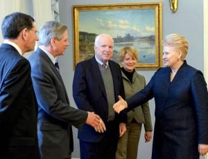 Prezidentė su JAV senatoriais aptarė Europos saugumo situaciją | lrp.lt, R.Dačkaus nuotr.