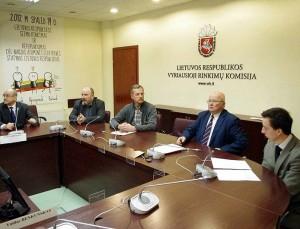Referendumo dėl lito iniciatoriai VRK |  Alkas.lt, A.Rasakevičiaus nuotr.