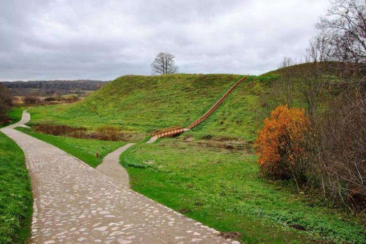 Imbarės piliakalnis jau pritaikytas lankymui | Salantų RP archyvo nuotr.