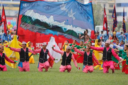 Everesto deimantinio jubiliejaus dieną (2013-05-29) nacionaliniame stadione Kathmandu | V. Vitkausko nuotr.
