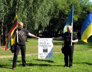 Tautininkų Ukrainos palaikymo piketas prie Rusijos ambasados | R.Laimikienės nuotr.