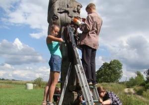 Dekoratyvinės skulptūros tvarkymas | Žematijos nacionalinio parko direkcijos archyvo nuotr.