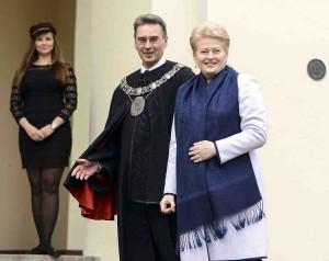 Dalia Grybauskaitė ir laikinai einantis VU rektoriaus pareigas prof. Jūras Banys | lrp.lt P. Peleckio nuotr.