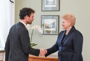 Šarūnas Kesarauskas ir Dalia Grybauskaitė | lrp.lt, R. Dačkaus nuotr.