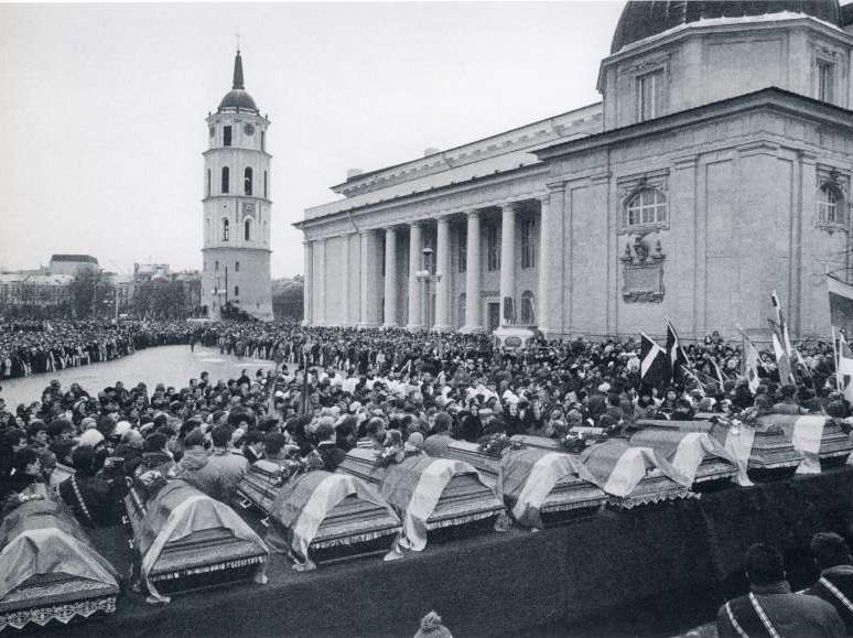 Žuvusiųjų Sausio 13-ąją laidotuvės | galerija.ktu.lt nuotr.