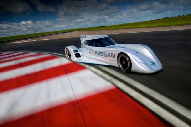 Sportinis elektromobilis Nissan ZEOD RC, 2013_technologijos.lt
