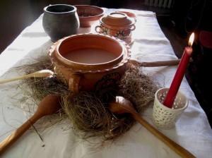 Kūčių stalas su avižų kisieliaus dubeniu | N. Marcinkevičienės nuotr.