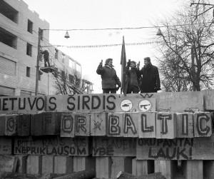 Laisvės gynėjai ant Seimo barikadų | lrs.lt, A. Girdziušo nuotr.