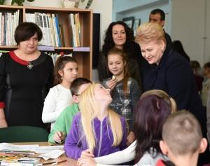 prezidentė bibliotekoje naujojoje vilnioje knygų kalėdos 2014_president.lt