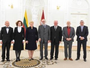 prezidente-iteike-nacionaline-kulturos-ir-meno-premijas-2015-lrp.lt-nuotr