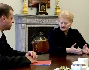 Saulius Skvernelis ir Dalia Grybauskaitė | lrp.lt stop kadras