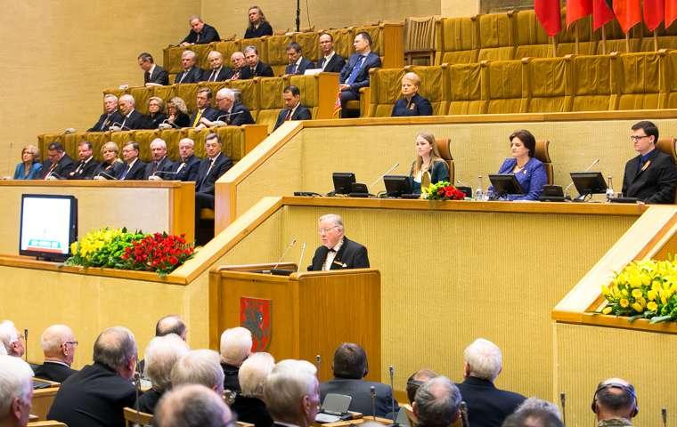 kovo 11-osios minejimas Seime-lrs.lt-o.posaskovos-nuotr-2-K100