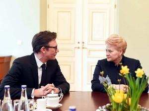 """Prezidentė susitinka su festivalio """"Kino pavasaris"""" rengėjais ir režisieriumi Mišeliu Hazanavičiumi."""