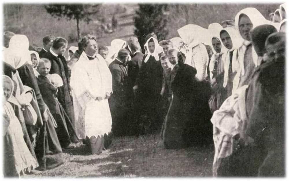 vaizgantas-sako-pamoksla-ant-girniku-piliakalnio-1905-maironiomuziejus.lt-nuotr