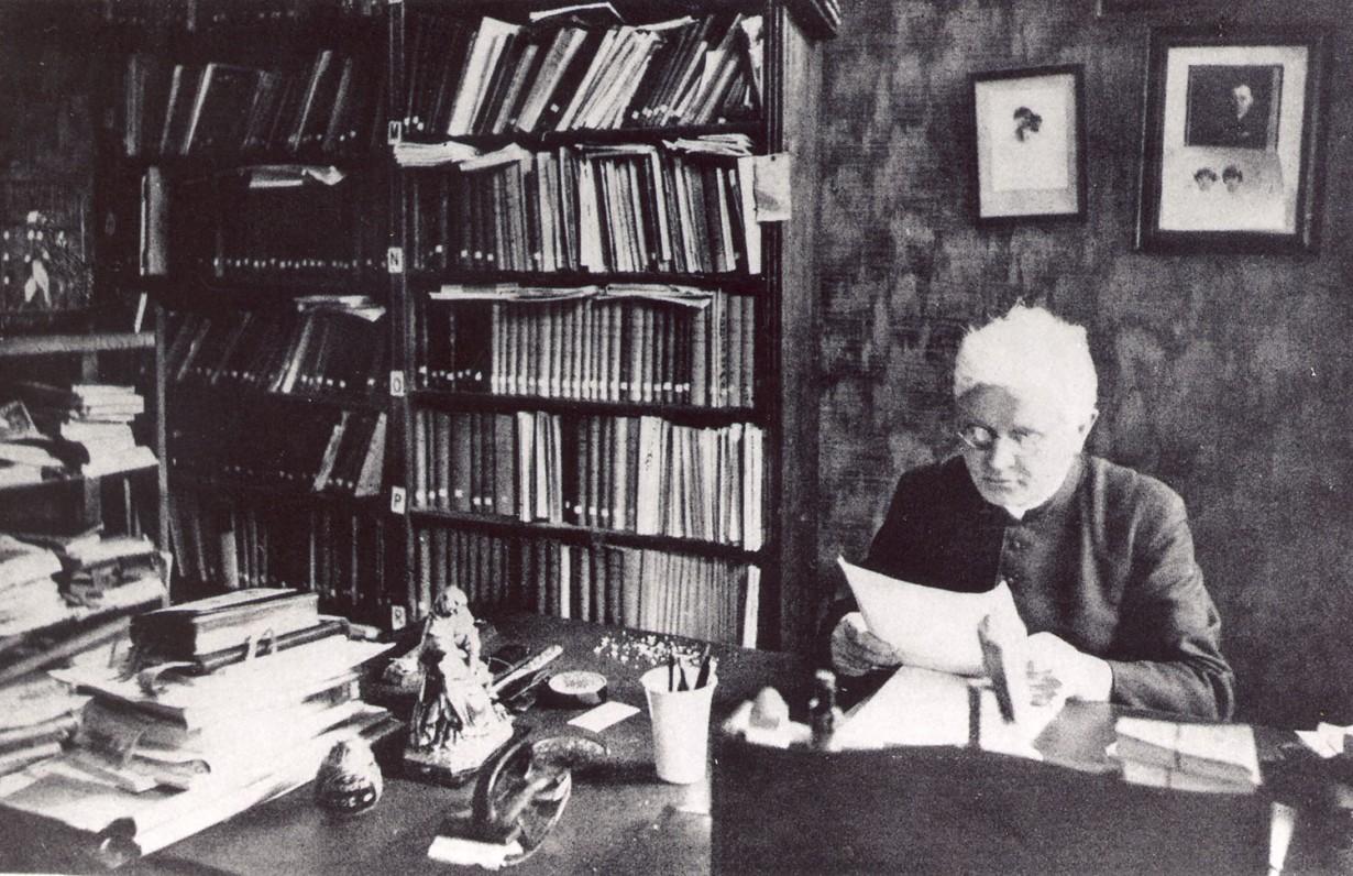 vaizgantas-savo-namuose-kaunas-1931-maironiomuziejus.lt-nuotr