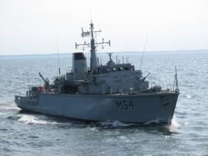 """Lietuvos kariuomenės karinių jūrų pajėgų laivas """" Kuršis""""   KAM nuotr."""