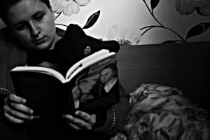 Su knyga.