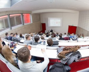 studentai auditorijoje_smm.lt