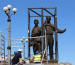 Nuo Žaliojo tilto nukeltos visos keturios sovietinės skulptūros | Alkas.lt, A. Sartanavičiaus nuotr.