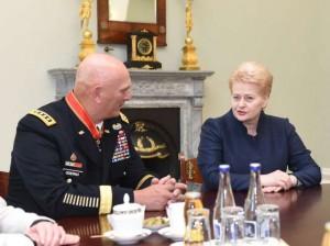 odierno-ir-grybauskaite-lrp.lt-r.dackaus-nuotr-K100