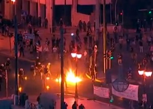 protestai-atenuose-youtube-stop-kadras