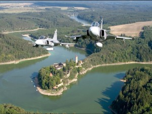 Naikintuvai JAS-39 Gripen. Aut. – Jan Kouba Cekijos karines oro pajegos
