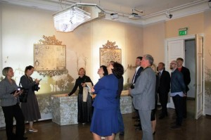 Pirmieji lankytojai naujoje ekspozicijoje | Žagarės regioninio parko direkcijos nuotr.