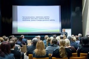 Ramūnas Karbauskis pristato Naisių bendruomenės gerą patirtį