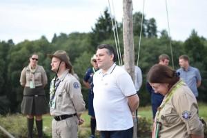 Skautus sveikino Jaunimo reikalų departamento laikinai einantis direktoriaus pareigas Juozas Meldžiukas | Lietuvos Skautijos nuotr.