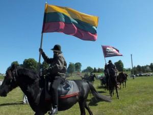Ruošiamasi istoriniam žygiui žirgais žemaitukais apie Lietuvą| rengėjų nuotr.