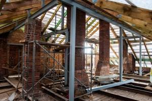 Rekonstruojamas stogas | VDU nuotr.