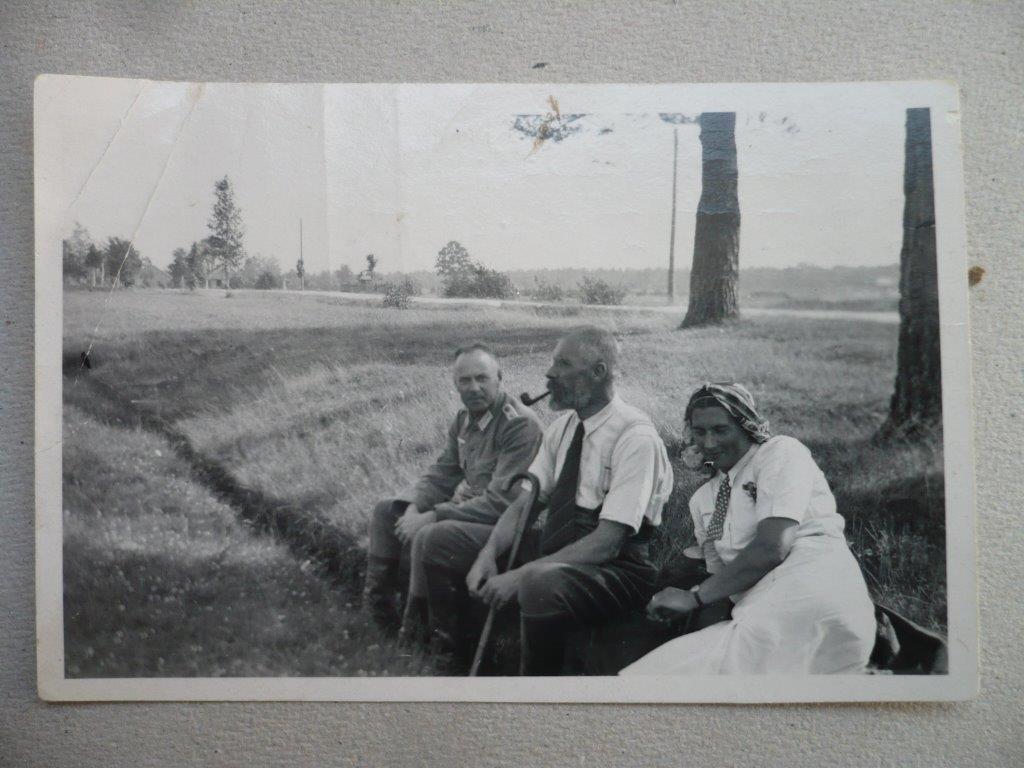 Iš-Slalaspilio-koncentracijos-stovyklos-sugrizes-gen.-P.-Plechavicius-centre.-1944-08-27-d