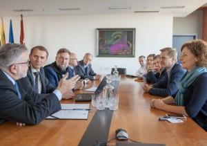 Ketininimu protokolo pasirasymas Mokslo centrui ikurti_S.Ziuros nuotr
