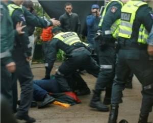 Policijos smurtas Garliavoje 2012 m. gegužės 17 d. | youtube.com stop kadras