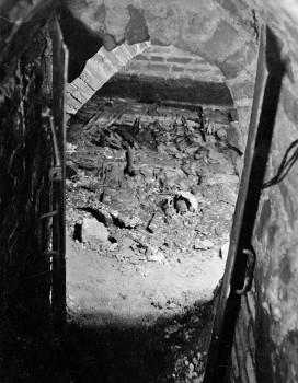 2 pav. Karalių kriptos vaizdas iš koridoriaus pusės. Fot. aut. J. Bulhakas. 1931 m. (LVIA 1135-3-308 (11) (2)