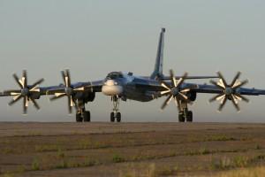 Tu-95MS yra skirtas naikinti ypatingai svarbius taikinius, panaudojant branduolinį ginklą | Wikipedia.org nuotr.