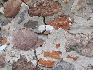 Sienos įtrūkimas Vilniaus Aukštutinės pilies kunigaikščių rūmų sienoje   Valentino Juraičio nuotr.
