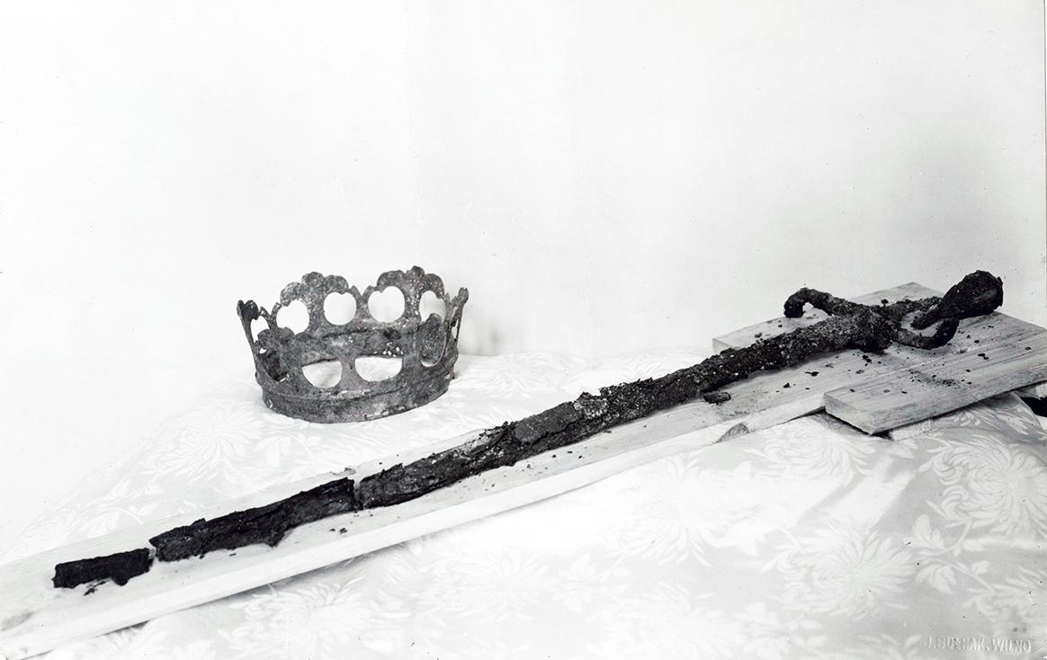 5 pav. Aleksandro Jogailaičio kalavijas ir karūna, 1932 m. sausio 12 d. Nuotr. iš LVIA f. 1135-3-308(66)