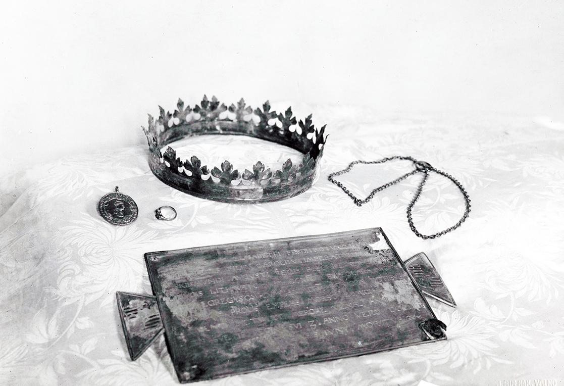 6 pav. Elžbietos Habsburgaitės insignijos, 1932 m. sausio 12 d. Nuotr. iš LVIA f. 1135-3-308(15)