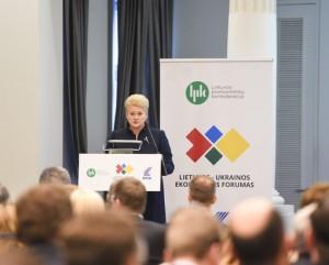 D. Grybauskaitė kalba dvišaliame Lietuvos ir Ukrainos ekonomikos forume | lrp.lt, R. Dačkaus nuotr.r