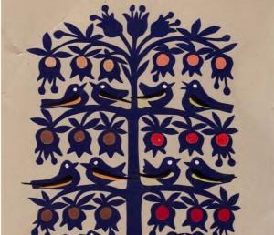 Pasaulio medis | J. Daniliauskienės spalvoto popieriaus karpinys, 2000.