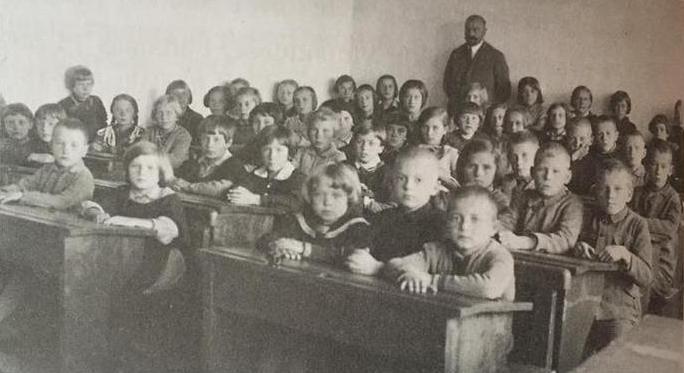S. Baltrušis su moksleiviais
