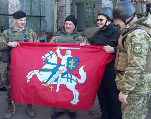 L. Linkevičius Rytų Ukrainoje susitinka su Ukrainos kariais | URM nuotr.