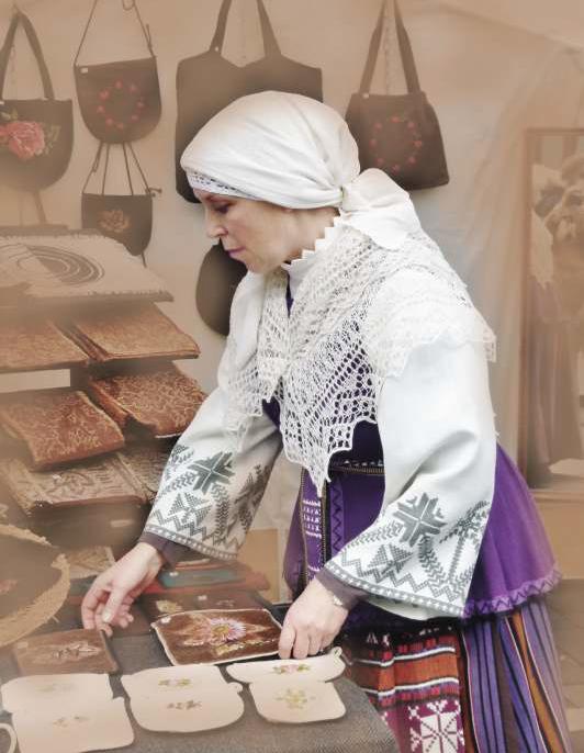 Edita Petravičienė tarp savo dirbinių | VEKC nuotr.